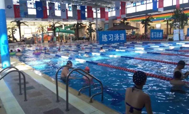 棕榈泉游泳馆