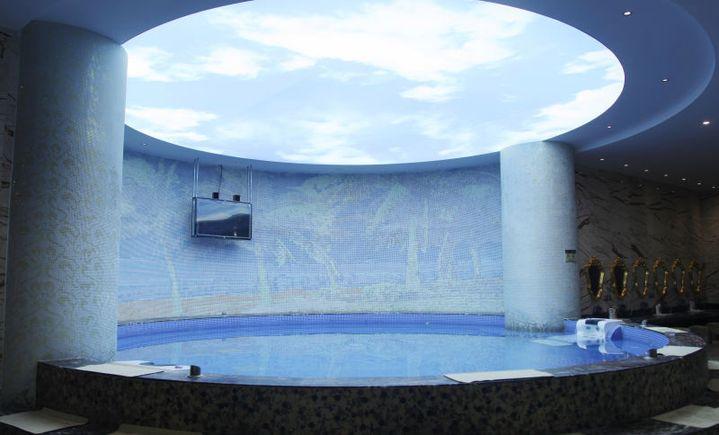 聚宝假日酒店洗浴游泳中心