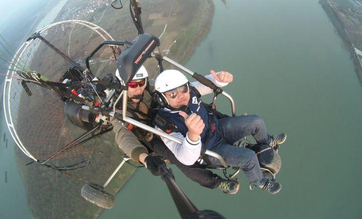 岩翔直升机动力伞训练基地