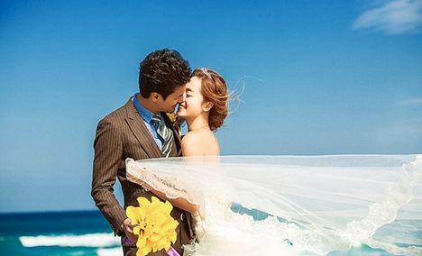 八月风尚婚纱摄影 - 大图