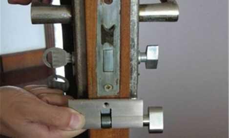 啄木鸟维修开锁