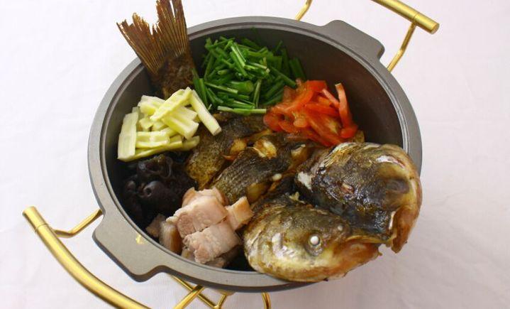 鱼火肴火锅店