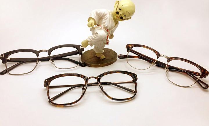 时代明亮眼镜