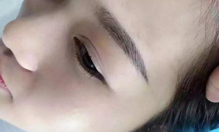 李冰韩式眉