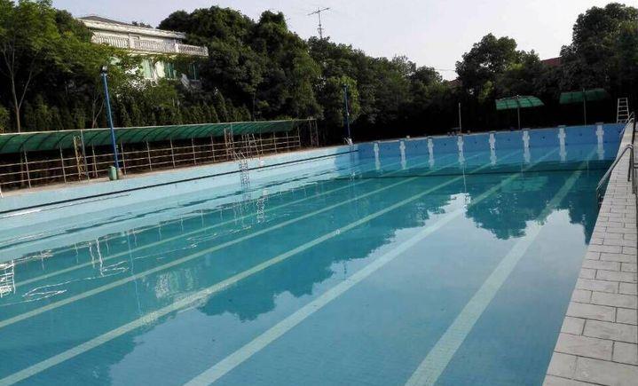 玉龙岛游泳馆