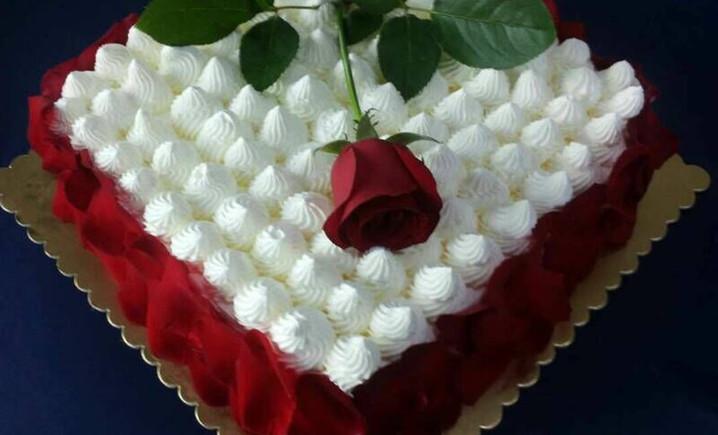 金典蛋糕鲜花