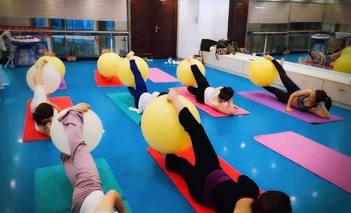 悦瑜伽工作室