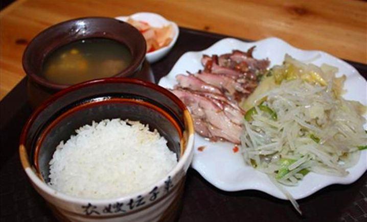 农嫂坛子菜(宁大步行街店)