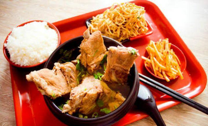 广运达餐厅排骨米饭