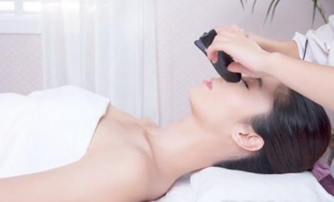 金凤凰彩妆店