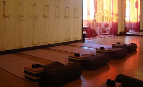 梵若拉专业瑜伽会馆