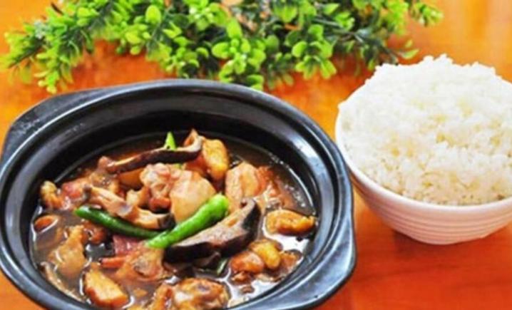 黄焖鸡米饭(大食代店)
