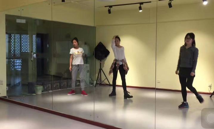 火舞舞蹈工作室
