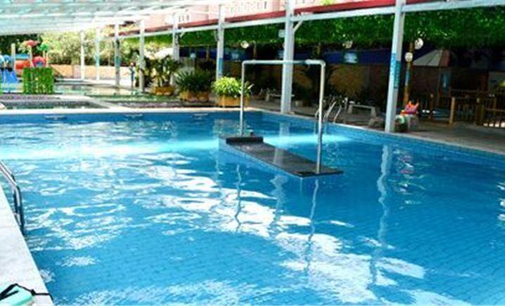群民游泳休闲中心