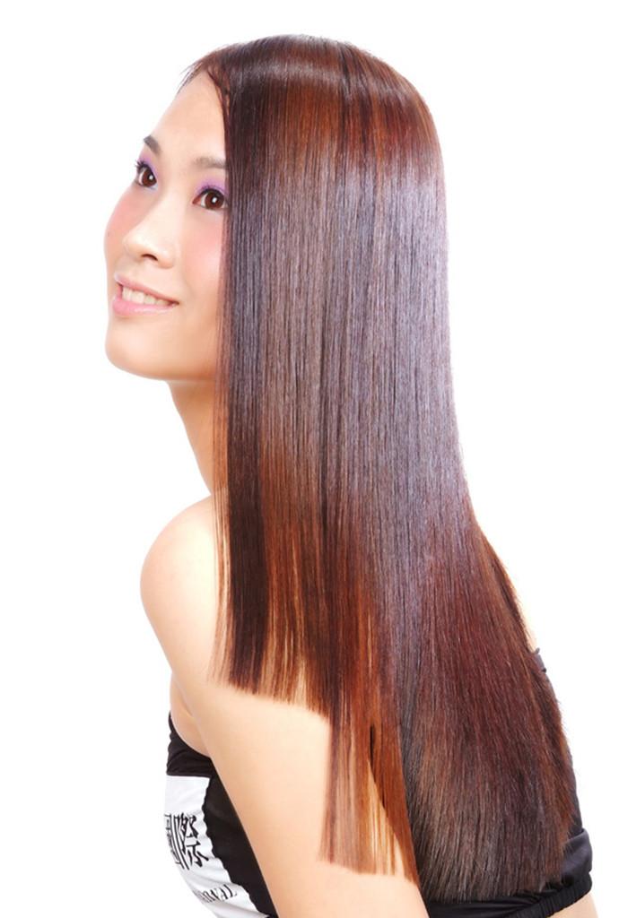 凯丽娜拉直服务技师级别:高级技师 服务流程/时长:洁发——发型设计—