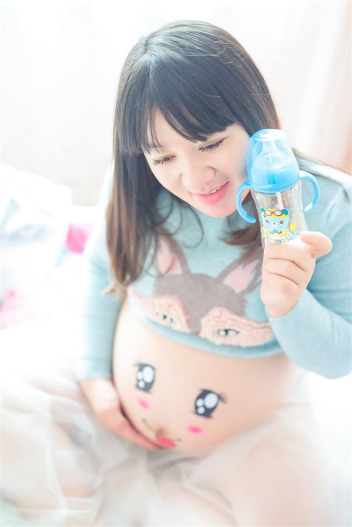 大胆孕妇人体写真_五叶摄影孕妇写真