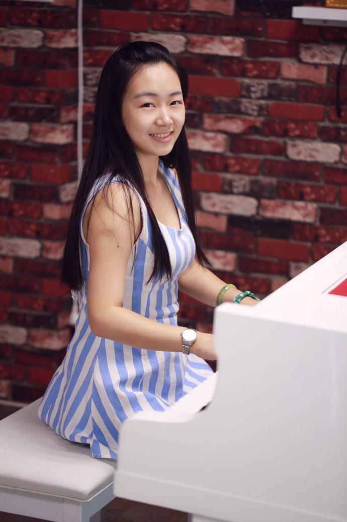 乐橙岛成人钢琴吧
