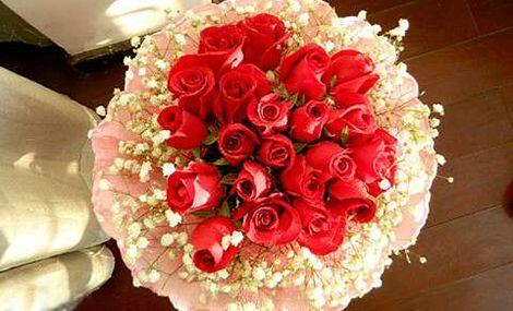 仅售118元,价值188元19朵玫瑰带礼盒!至少提前3天预约,节假日通用!