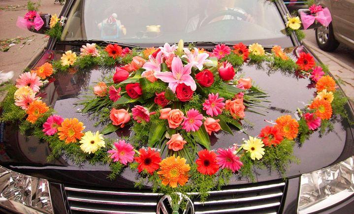 馨香园鲜花心型花车图片