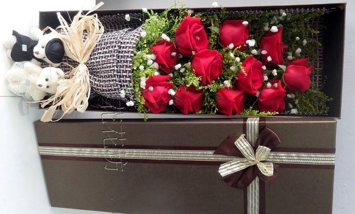 仅售108元,价值198元11支玫瑰礼盒2选1!提前24小时预约!