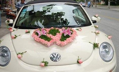 花千朵双心型婚礼花车图片
