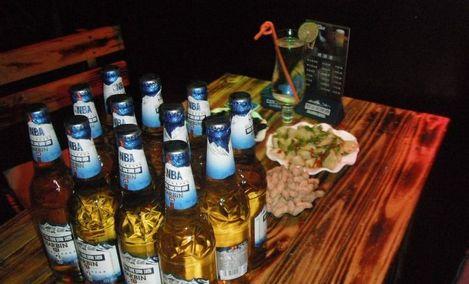 飞鸟与鱼主题酒吧