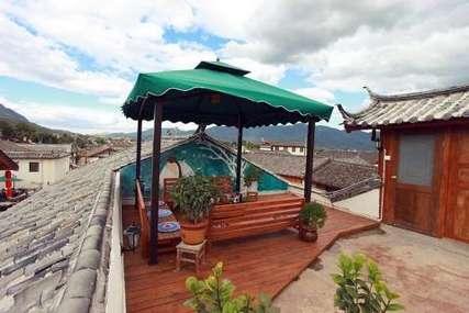 仅88元!价值298元的丽江绿野仙居客栈舒适标准间入住1晚,免费WiFi。