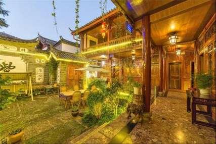 仅78元!价值128元的丽江若水居客栈舒适标准间入住1晚,免费WiFi。