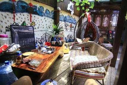仅80元!价值168元的丽江大话西游客栈特价房广寒宫入住1晚,免费WiFi。