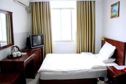 仅68元!价值88元的南阳内乡朋来宾馆大床房入住1晚,免费WiFi。