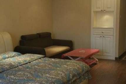 仅149元!价值198元的沈阳南塔糖果主题公寓二部豪华大床房入住1晚,免费WiFi。