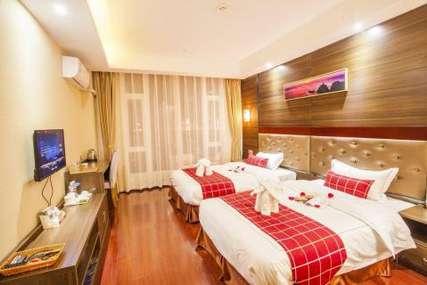 仅99元!价值398元的丽江凯尔凯特精品酒店幸运花语双床间入住1晚,免费早餐、免费WiFi。