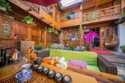 仅198元!价值498元的丽江古城闲庭别院客栈入住1晚,三人间/家庭房2选1,免费WiFi。