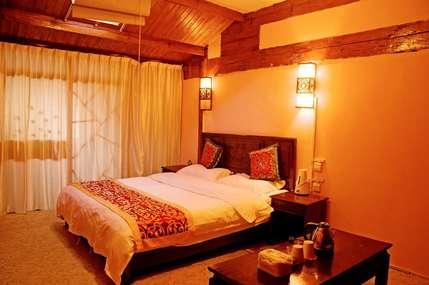 仅280元!价值380元的丽江时光花园客栈时光-阳光豪华大床房(一楼)入住1晚,免费WiFi。