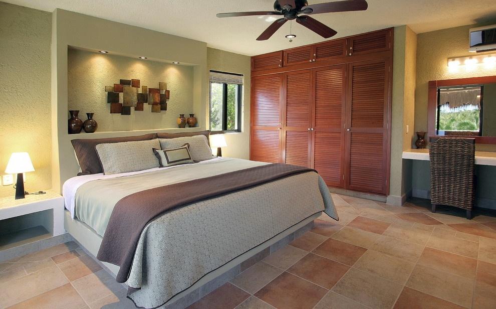 美式主卧室床头柜装修效果图图片