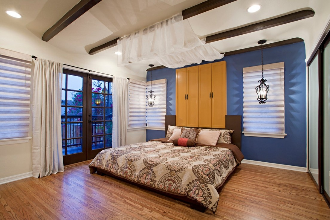 床头背景墙用了褐色软包大气且优图片