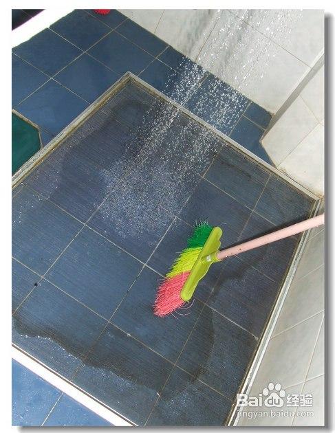 怎样快速清洗玻璃窗和纱窗妙招