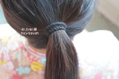 如何简单的扎出时尚的发型(盘发插梳,发梳)图片