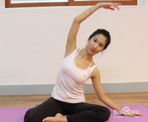 健身房练瑜伽被教练插