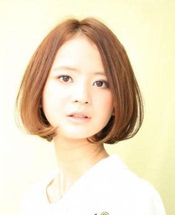 2012女生短发发型图片推荐  时尚短烫发让你时尚又出众图片