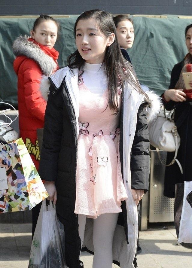 北京电影学院艺考复试俊男美女拼颜值,宛如一场时装走秀啊图片