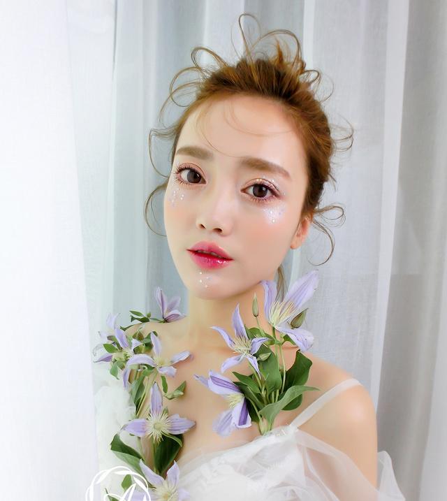 新娘造型|春夏清新新娘,头纱,盘发,贴面妆,甜美又优雅 (640x717)图片图片