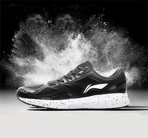 斯凯奇,新百伦,耐克,亚瑟士哪个品牌男鞋好看,质量好?   :新百图片