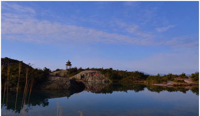繁华似锦但最难忘的就是温州的美丽的雁荡山