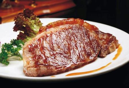 冷牛扒_【火车站】仅55元,享价值68元『拿铁小镇』单人自助安格斯西冷牛排餐