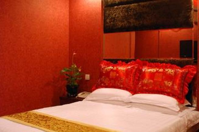 鸿炜亿家连锁酒店(北京牛街店)(无窗普通大床间) - 大图