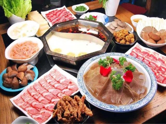 重庆锅巴饮年代火锅