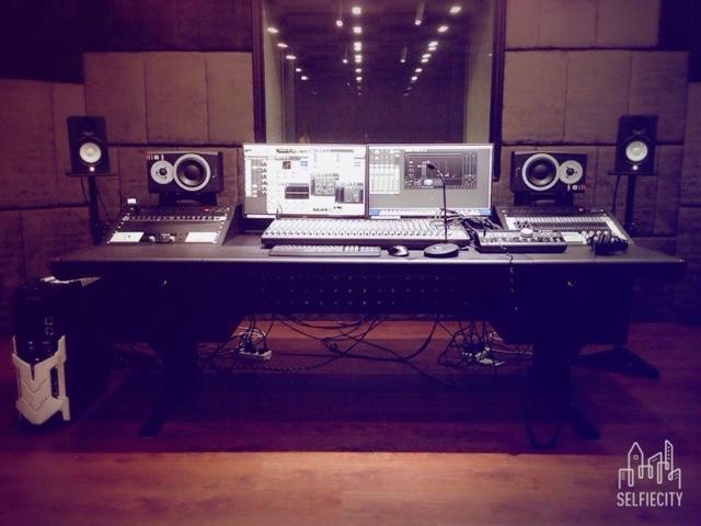 IN STUDIO 录音棚