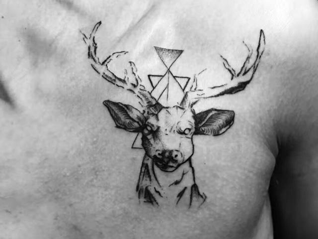 绣女纹艺纹身工作室