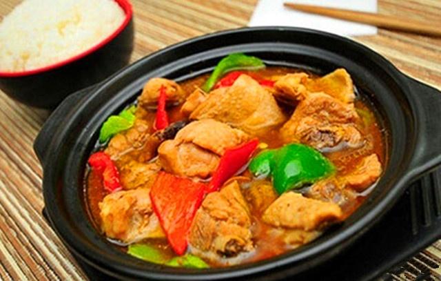 黄焖鸡米饭(长岸路店)